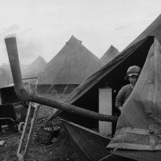 Les camps de toile de l'abbé Pierre à Noisy-le-Grand