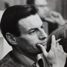 Jean Ferrat (1930-2010), auteur-compositeur et chanteur français