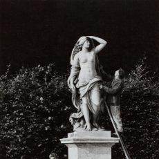 Entretien de la statue «L'Air» dans le parc du château de Versailles