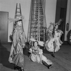 Danseuses de French cancan au Moulin Rouge