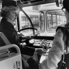 Conductrice de bus (ou machiniste) de la RATP