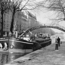 Péniche sur le Canal Saint-Martin, quai de Jemmapes